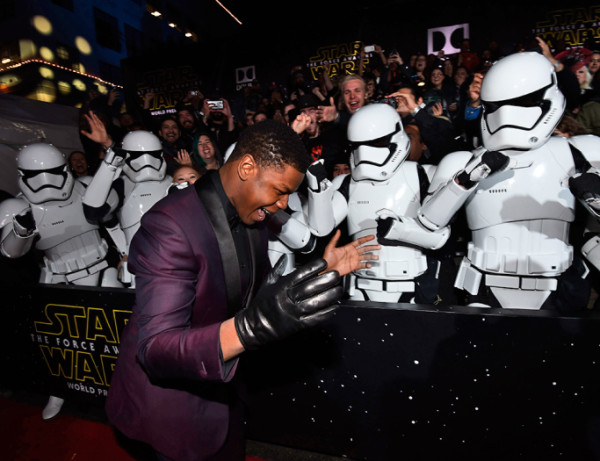 john boyega finn star wars premiere force awakens 2015