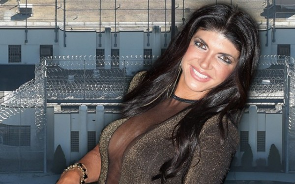 real housewives of new jersey teresa giudice getting a christmas gift 2015 gossip