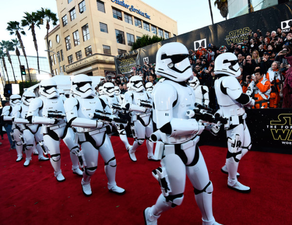stormtroopers star wars premiere force awakens 2015