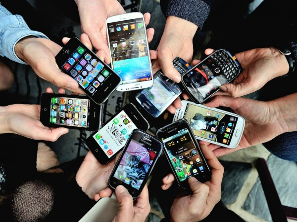 How Experts & Users disagree on smartphones 2016 tech