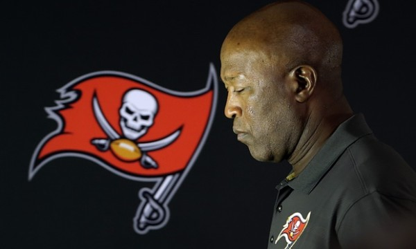 Pink Slips don't Convert to Wins in NFL Lovie Smith Fired 2016 images