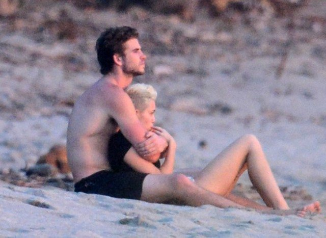 miley cyrus back to liam hemsworth 2016 gossip