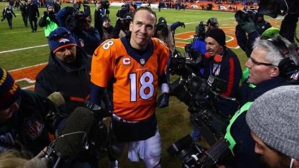 peyton manning wins broncs vs patriots 2016 images