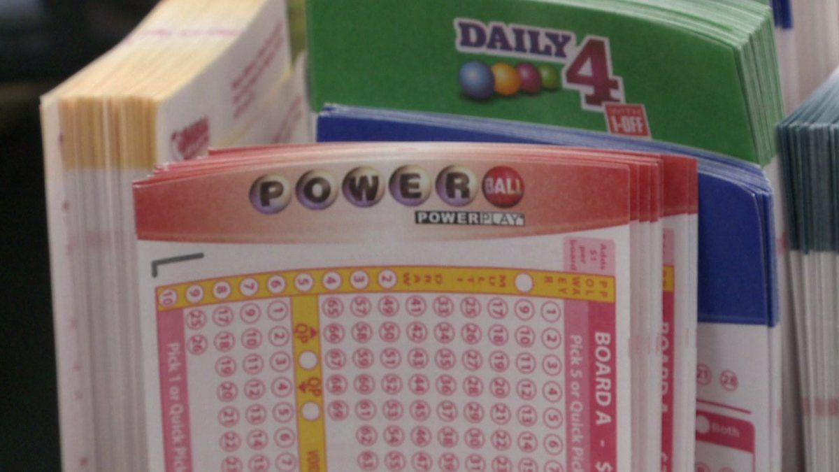 powerball lottery vs daily fantasy sports 2016 images