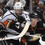 anaheim ducks closing in on los angeles kings 2016 images