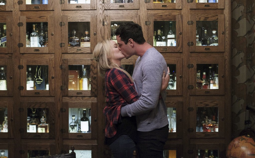 the bachelor ben higgins kissing lauren win 2016