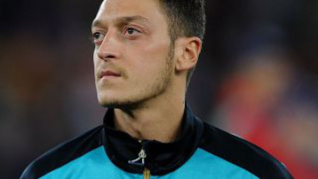Mesut Ozil rules out Arsenal exit and talks about dressing room influence 2016 images