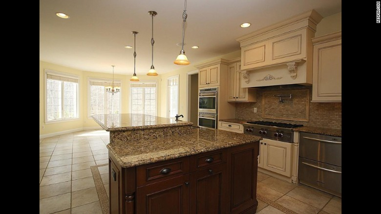 aaron hernandez house sale kitchen