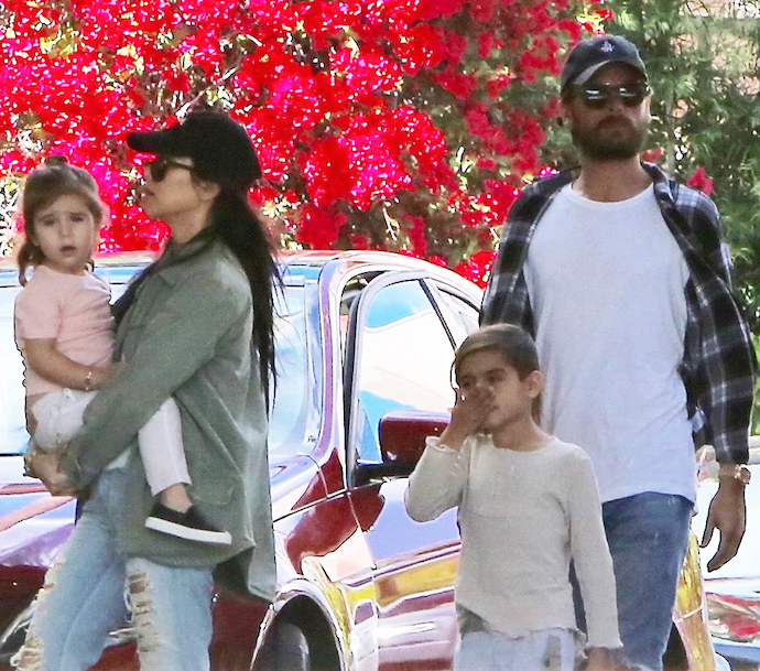 PREMIUM EXCLUSIVE Kim Kardashian Tries To Help Kourtney And Scott Reconcile
