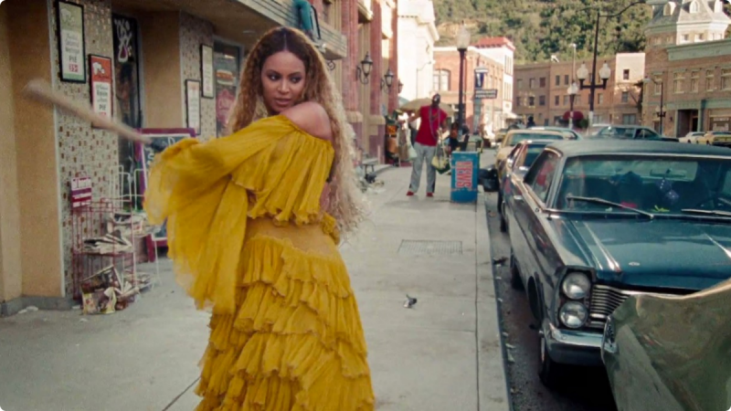 beyonce mixes her lemonade real well review 2016 images