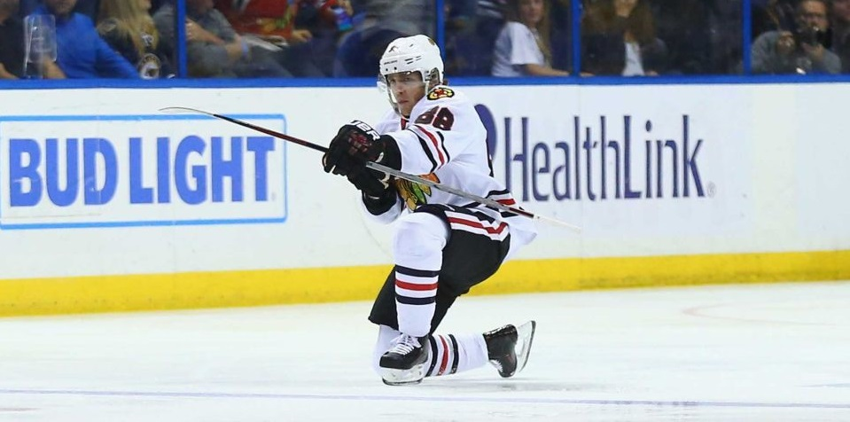 blackhawks push one more game out of blues with 6-3 win 2016 images