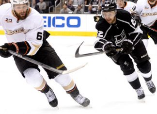 los angeles kings vs anaheim ducks for nhl pacific division face off 2016 images