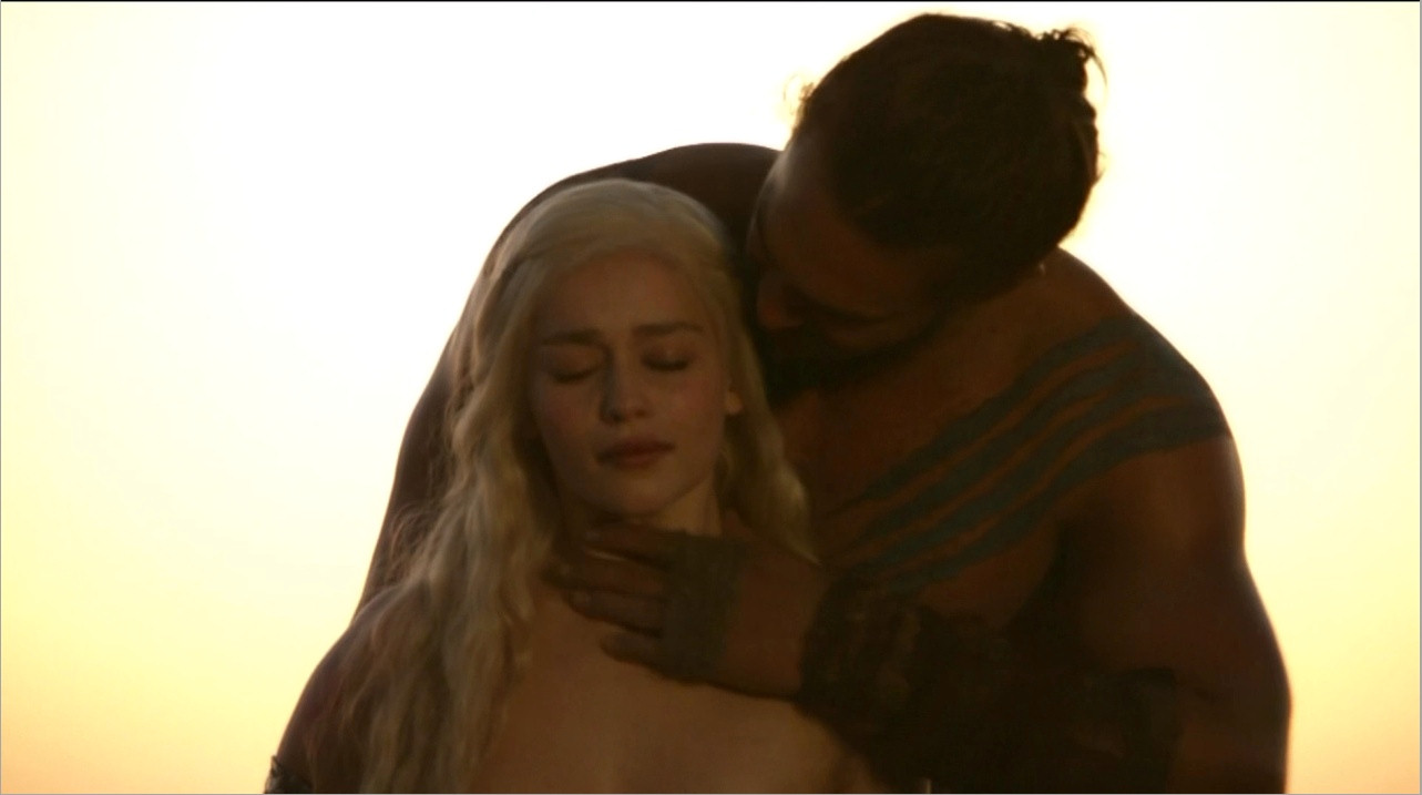 emilia clarke with jason mamoa hot shirtless
