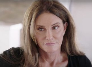i am cait 207 kiss make up but caitlyns not comfortable talking surgery 2016 images