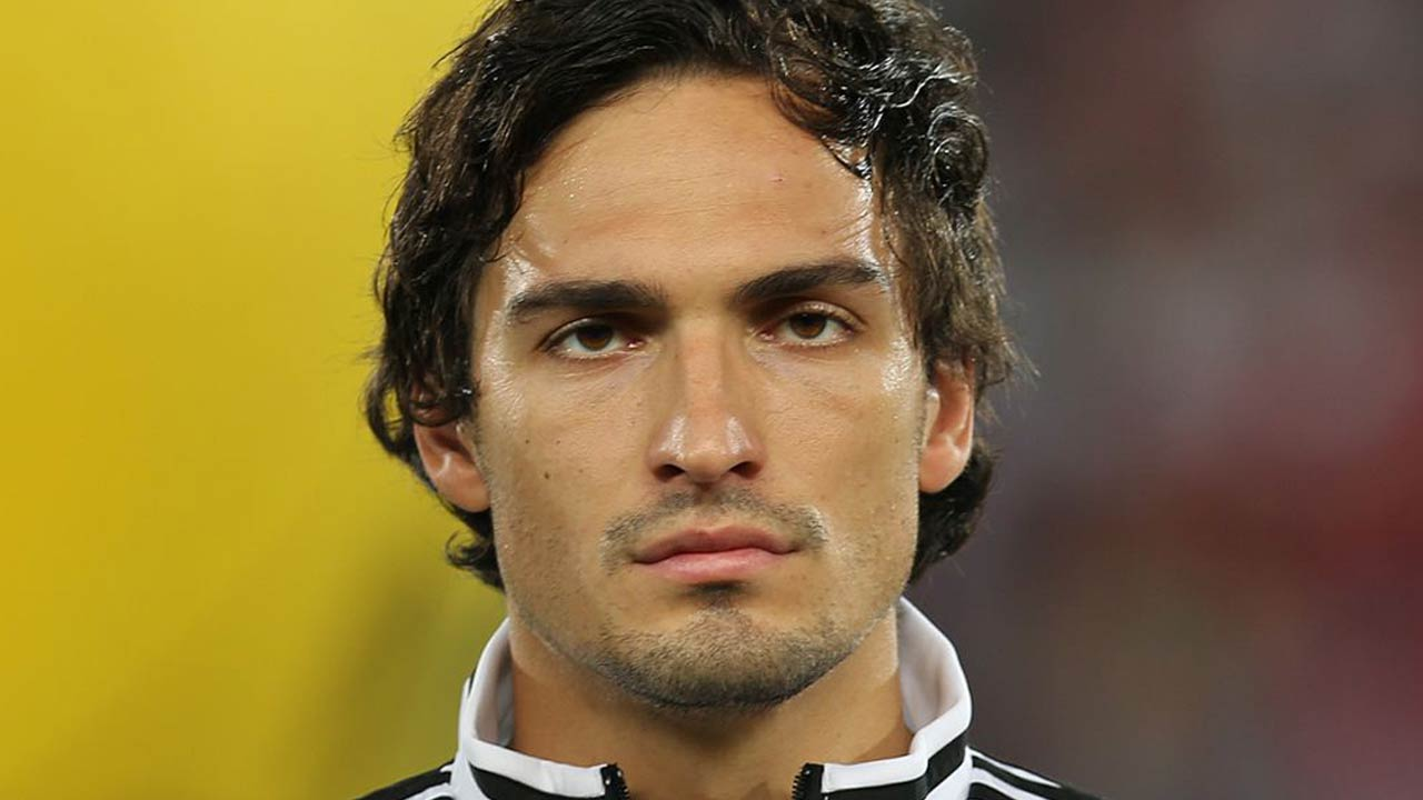 Mat Hummels fans reacting to Bayern Munich transfer 2016 soccer