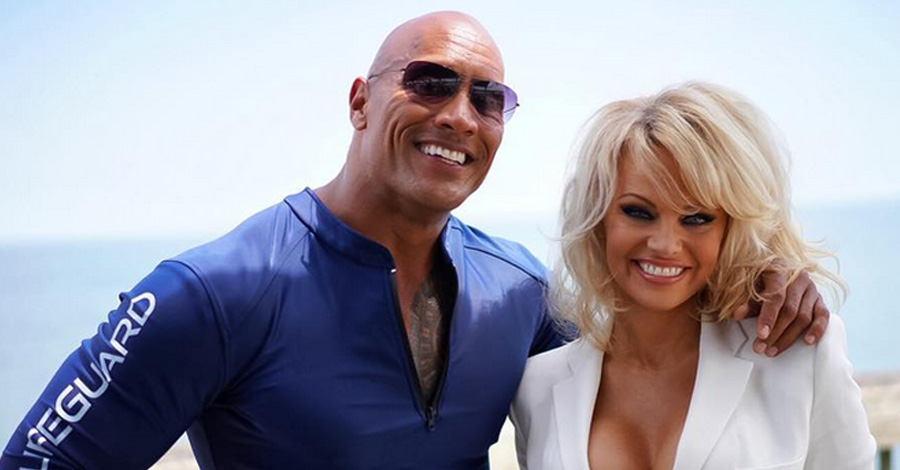 pamela anderson joins dwayne johnson baywatch movie 2016 images