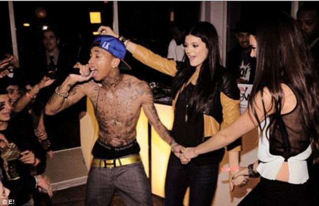 tyga hoping kylie kris jenner can bail him out 2016 gossip