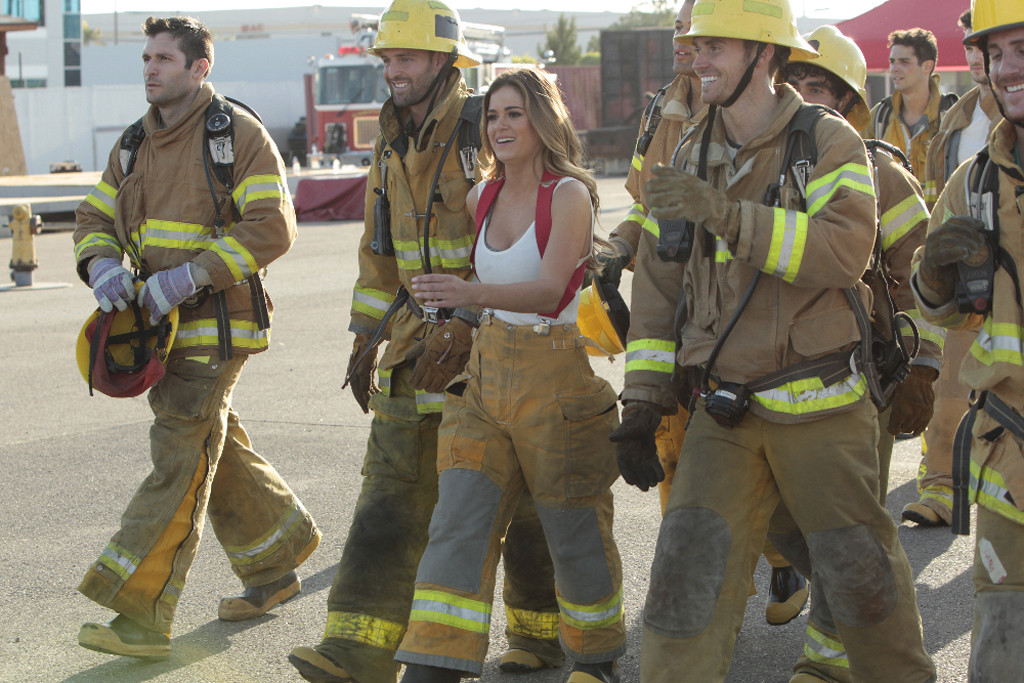 'The Bachelorette' 1202 Pulling hose on Brandon, James S and Will 2016 images