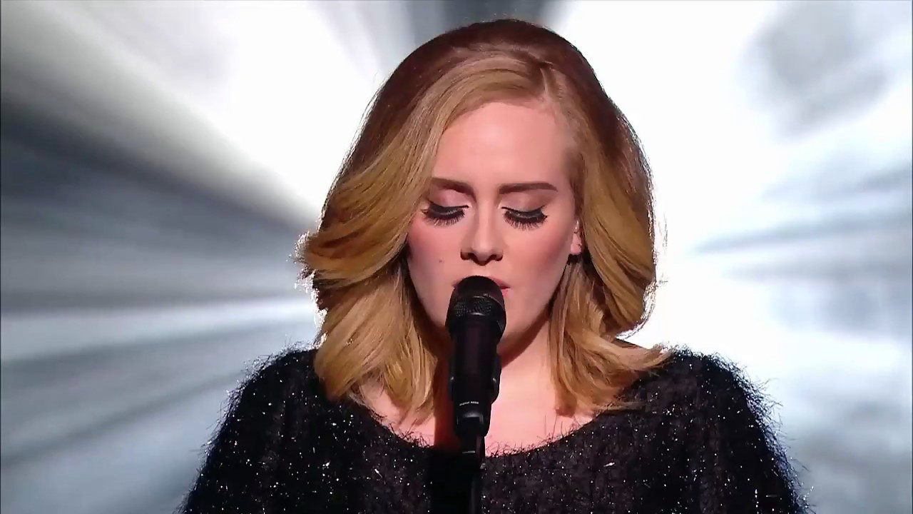 adele gets fans to enjoy concert without tech