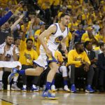 klay thompson taking over for steph curry with warriors