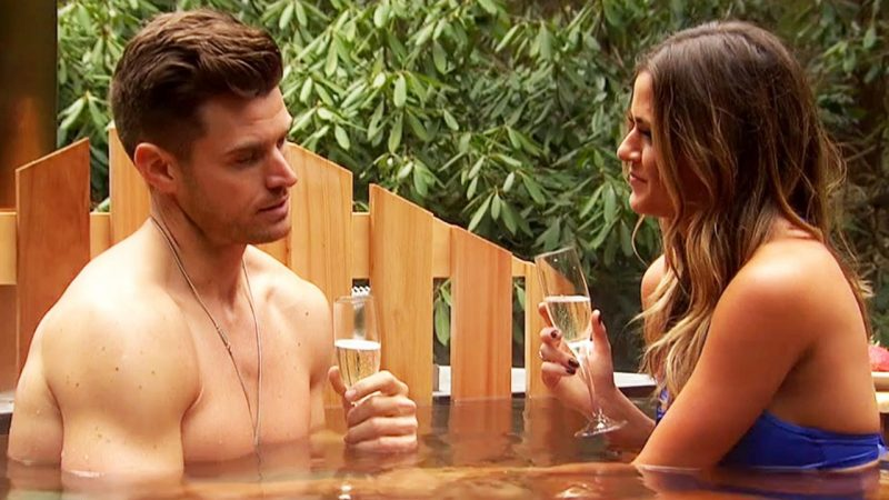 bachelorett hot tubbing with jojo fletcher