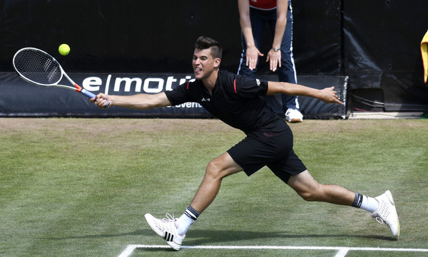 dominic thiem knocks out federer