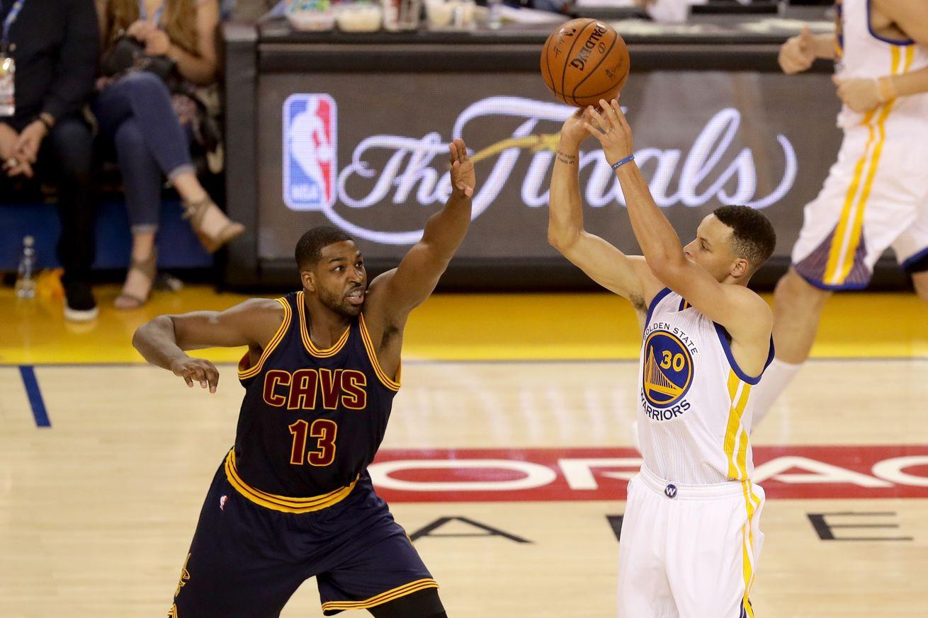 LeBron James' Cavaliers beat Stephen Curry's Warriors 93 ...
