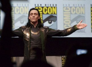 comic con 2016 brings on the usual hoardes of superheroes images