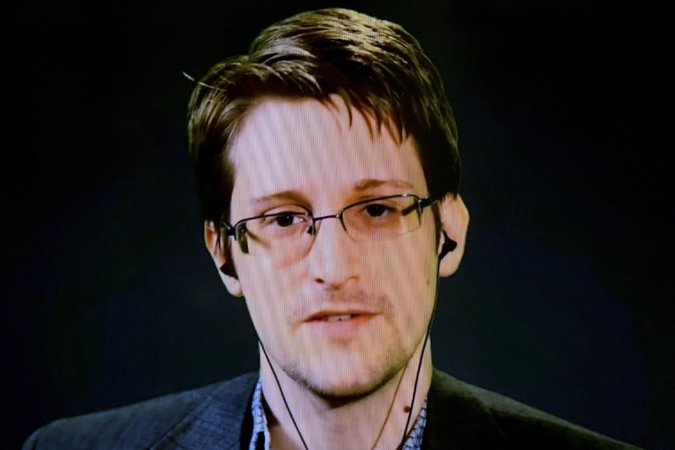 edward snowden appears for comic con 2016