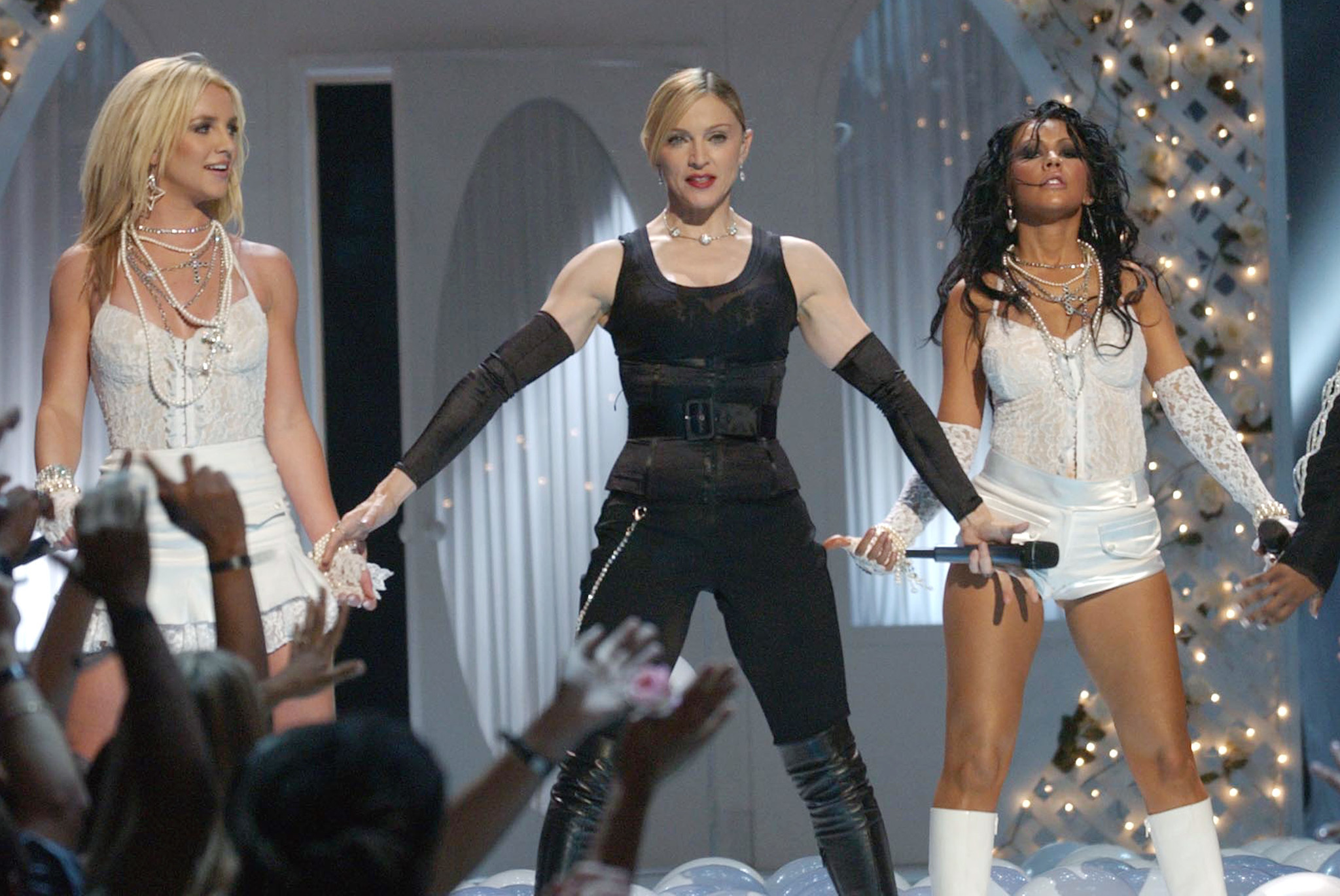 britney spears last appearance at vmas with madonna