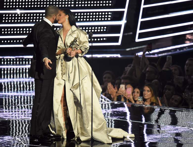 drake rihanna kiss at mtv vmas