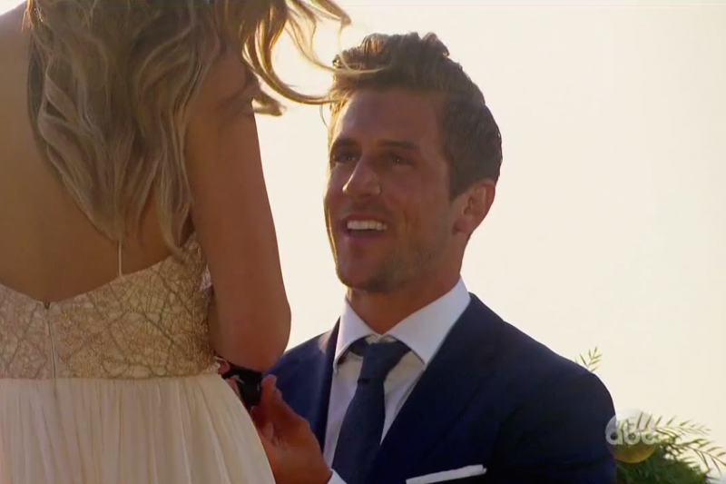jordan rodgers proposes to jojo fletcher on bachelorette finale 2016
