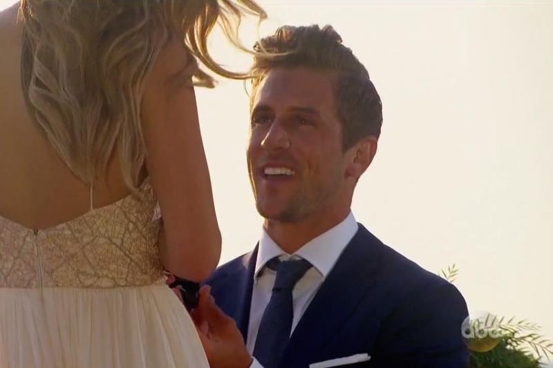 jordan rodgers proposes to jojo fletcher on bachelorette finale 2016