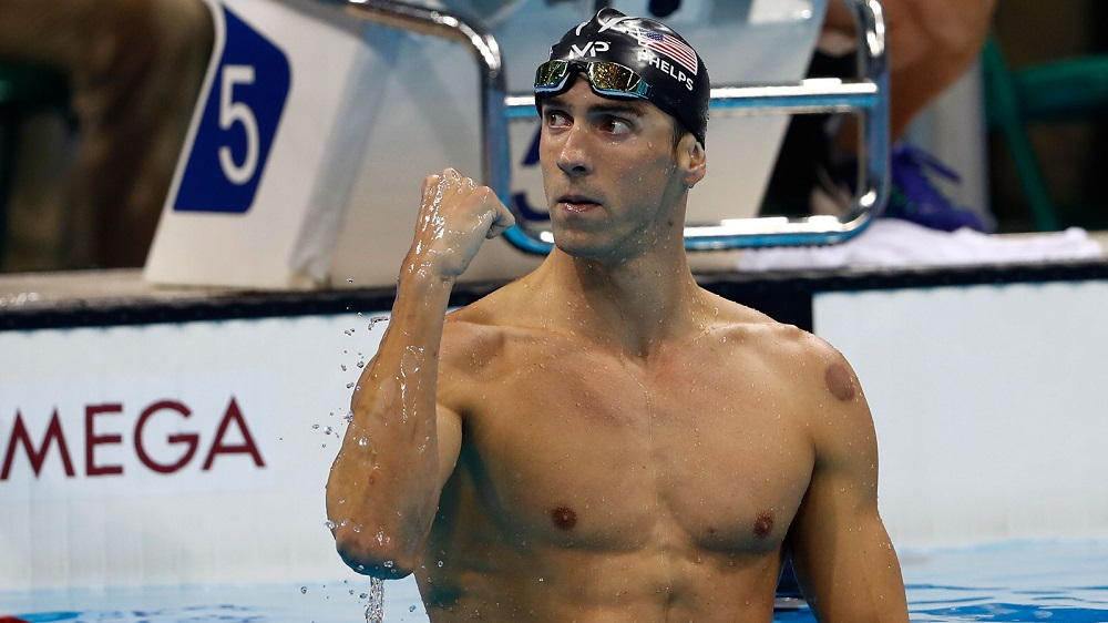 michael phelps continues breaking record with 21st gold medal at rio olympics 2016 images