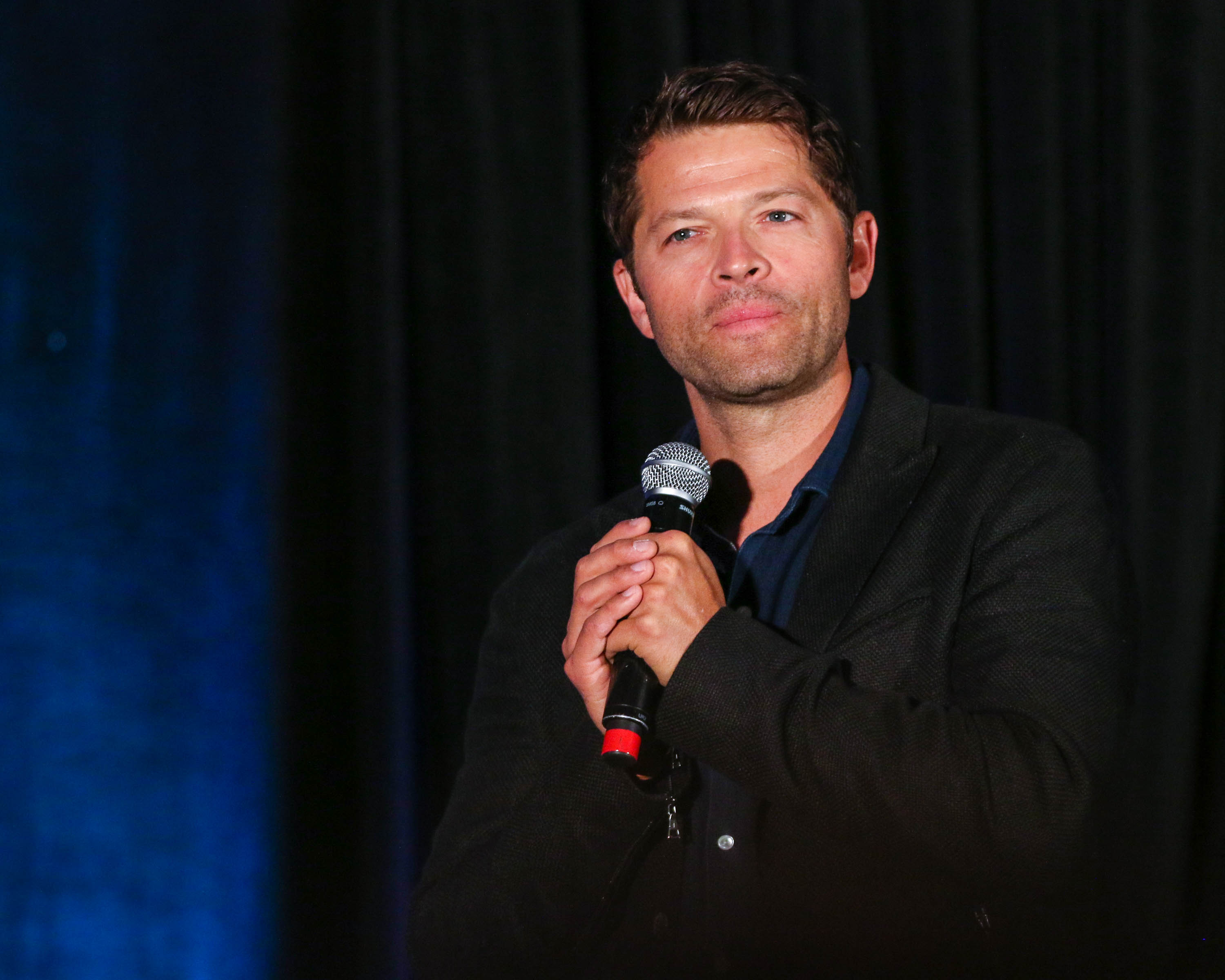 misha collins castiel at supernatural convention 2016