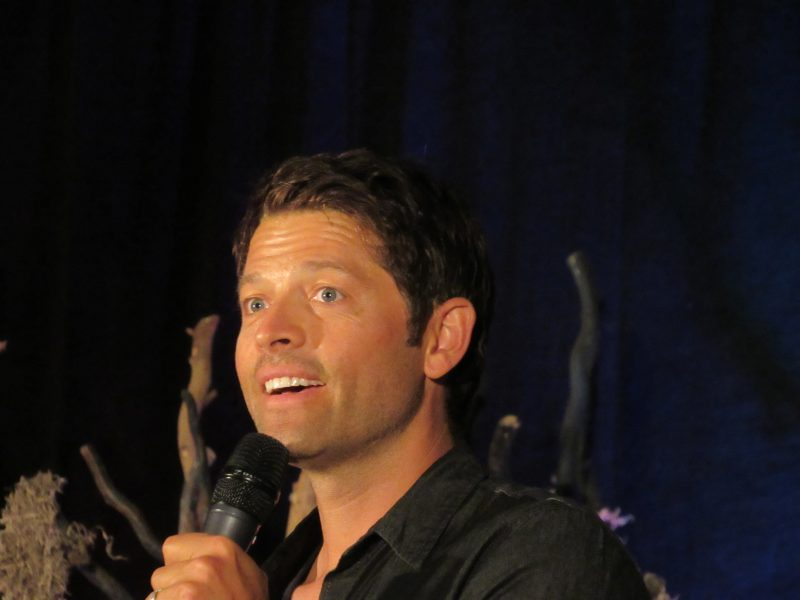 misha collins talking at supernatural convention smiling