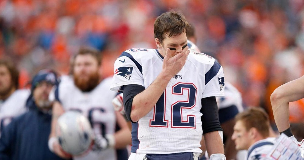 Patriots' Tom Brady able to avoid 'ScissorGate' 2016 images