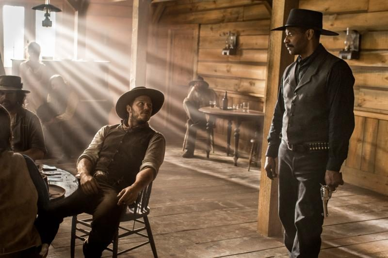 chris pratt with denzel washington magnificent seven