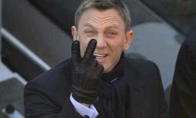 daniel craig lauging way to bank as James Bond Producers still want him 2016 images