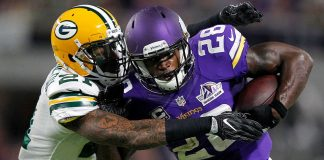 viking adrian peterson injures right knee 2016 images