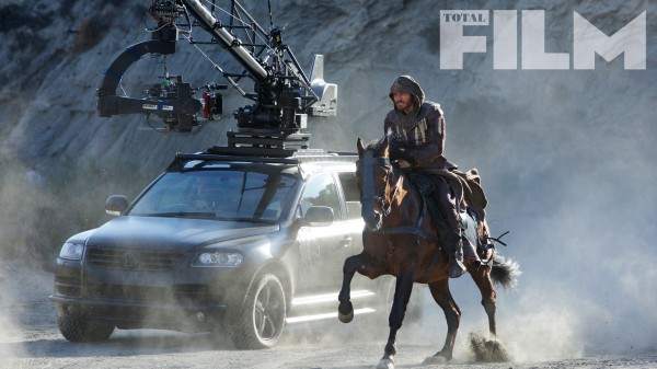assassins creed michael fassbender horse 600x337