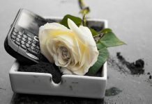 blackberry is dead along with qwerty phones 2016 images
