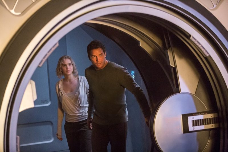 chris pratt with jennifer lawrence passengers movie