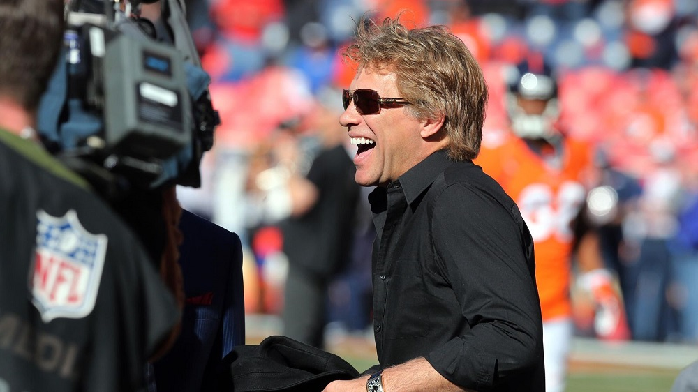 Jon Bon Jovi taking on Peyton Manning for Titans 2016 images