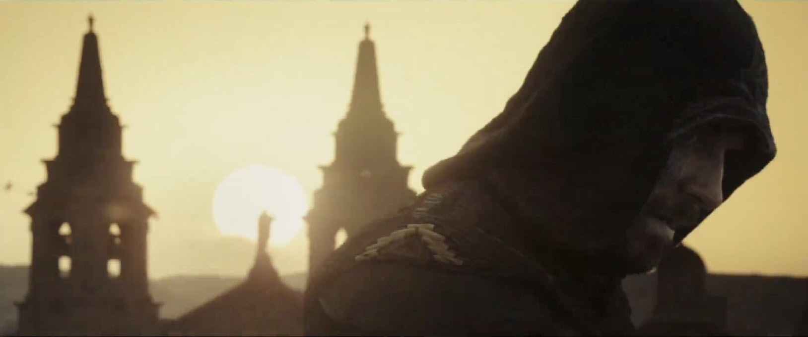 michael fassbender robed in assassins creed