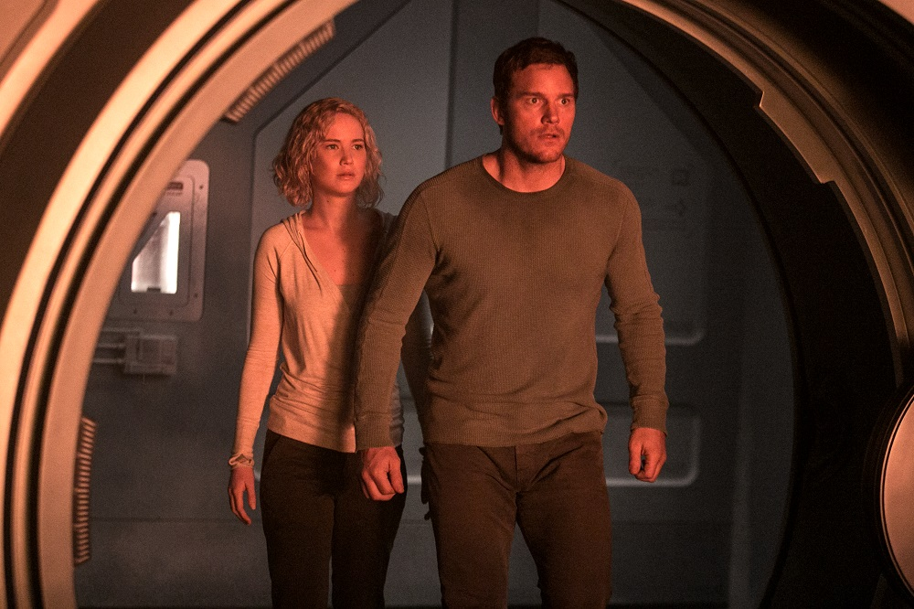 new chris pratt and jennifer lawrence passenger images hit on spaceship 2016 images