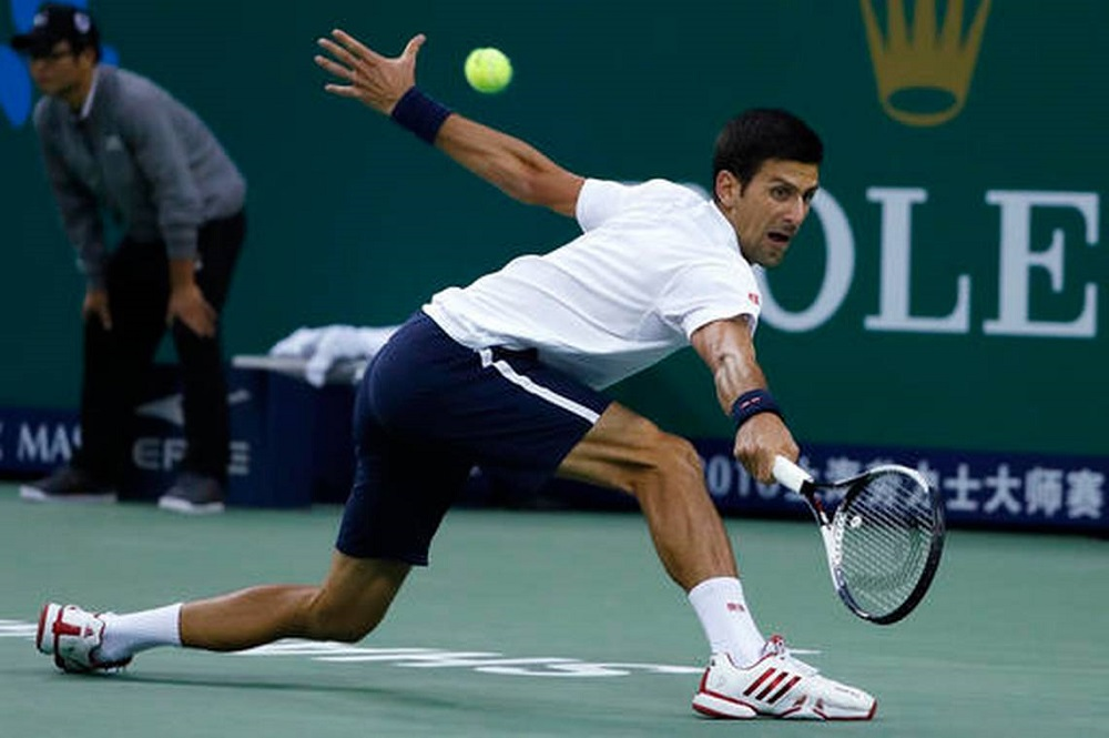 novak djokovic struggles against mischa zverev at shanghai masters 2016 images