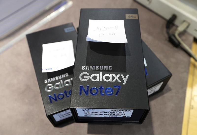galaxy note 7 recall costing samsung over $5 billion 2016 tech images