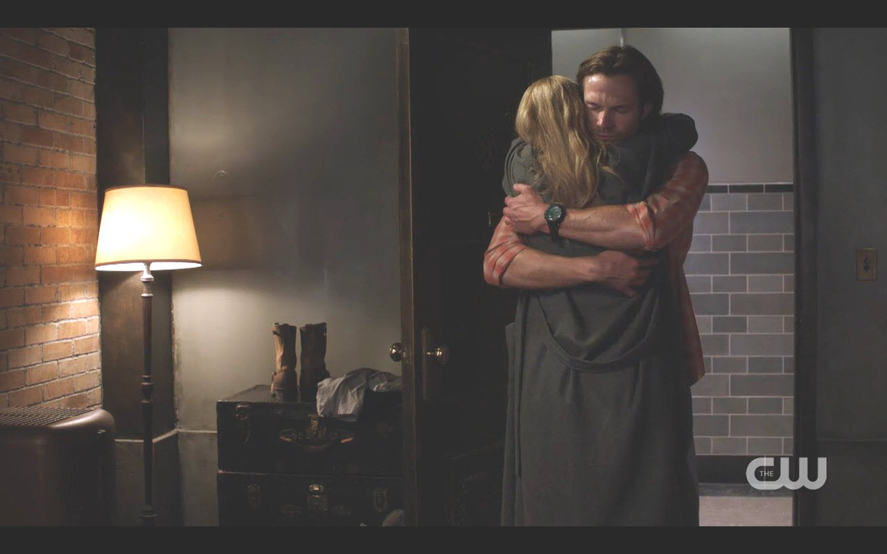 supernatural 1203 foundry sam mary winchester hug