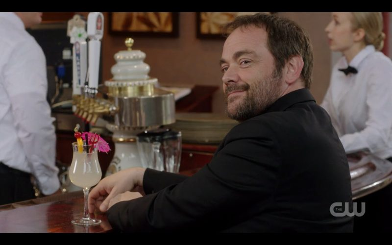 supernatural foundry 1203 crowley smiling with drink